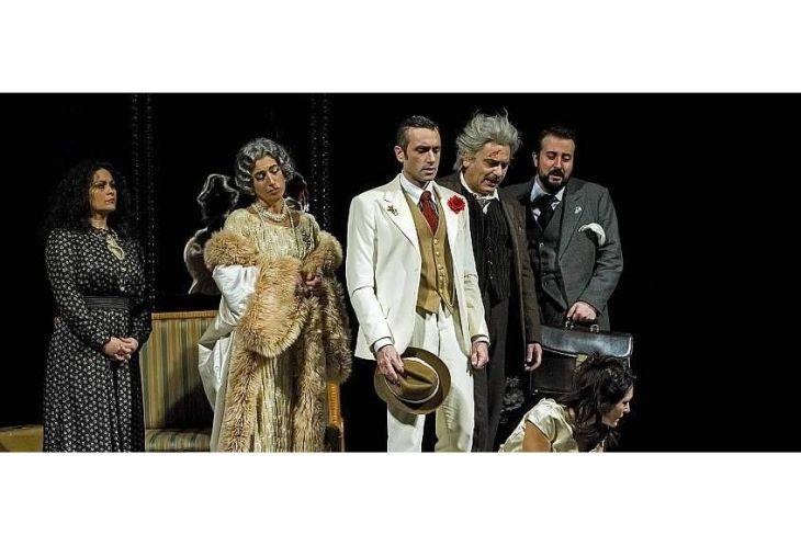 Il berretto a sonagli  al Teatro Municipale di Casale Monferrato 035e3ed3ad1c